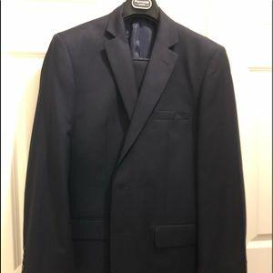 Men's suit barely worn